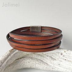 Schönes Wickelarmband aus Leder in braun