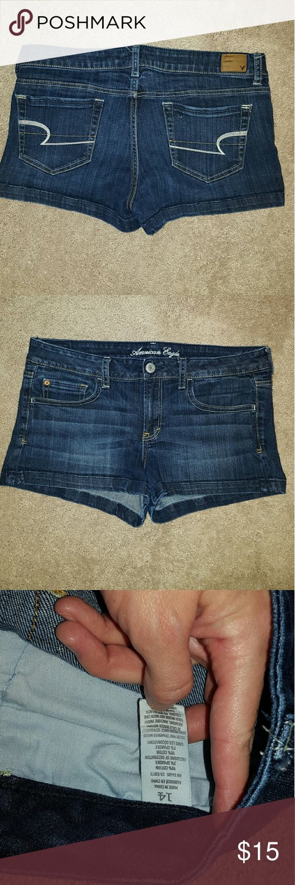 American Eagle stretch shorts sz14 Hardly worn American Eagle Outfitters stretch shorts in a dark wash, size 14. Great pair of shorts for the summer! American Eagle Outfitters Shorts Jean Shorts