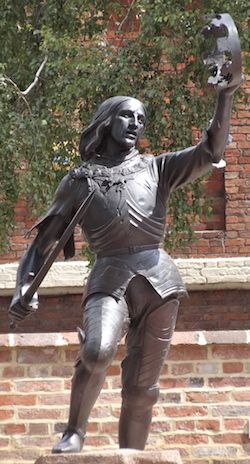 Statue of Richard III in the Cathedral Gardens