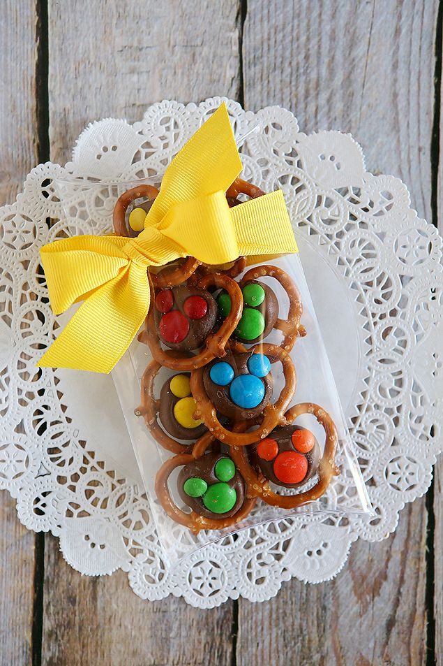 chocolate pretzel mickeys. Cute idea for a Disney themed party.