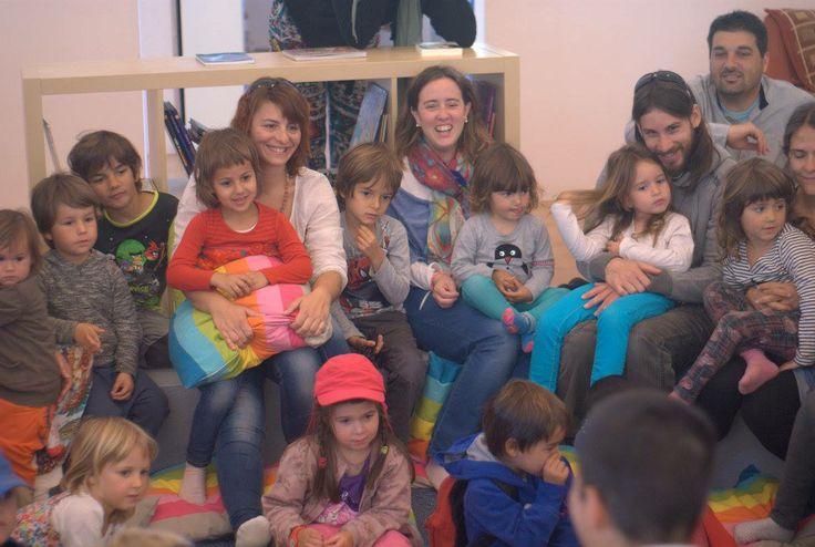 Sant Jordi 2014. L'hora del conte al cercle de lectura amb les famílies i acompanyants