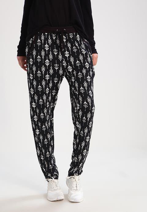 Vêtements Even&Odd Pantalon de survêtement - black/white noir: 20,00 € chez Zalando (au 11/03/17). Livraison et retours gratuits et service client gratuit au 0800 915 207.