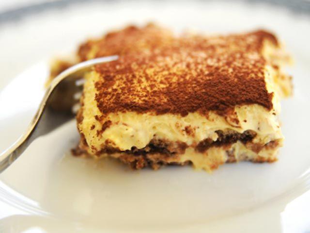 Tiramisù..anche se non è la ricetta originale, lo preferisco con i Pavesini!!