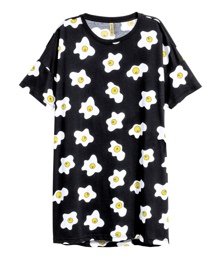 Check this out! Oversized T-shirt in printed jersey with dropped shoulders and short sleeves. - Visit hm.com to see more.