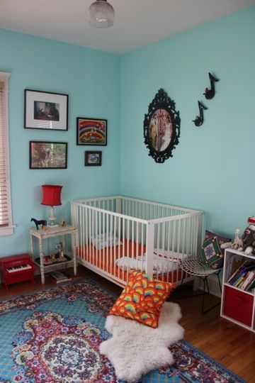 kelly flamos nursery 1 .....I could see this for my cuz Steph!! For her new baby!!