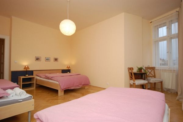 Prague, Czech Republic Vacation Rental, 2 bed, 2 bath, kitchen with WIFI in Old Town. Thousands of photos and unbiased customer reviews, Enjoy a great Prague apartment rental perfect for your next holiday. Book online!