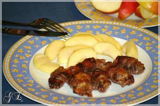 Baconba tekert sült csirkemáj párolt almával - Gluténmentesen, egészségesen! - Gluténmentes, cukormentes, paleo receptek