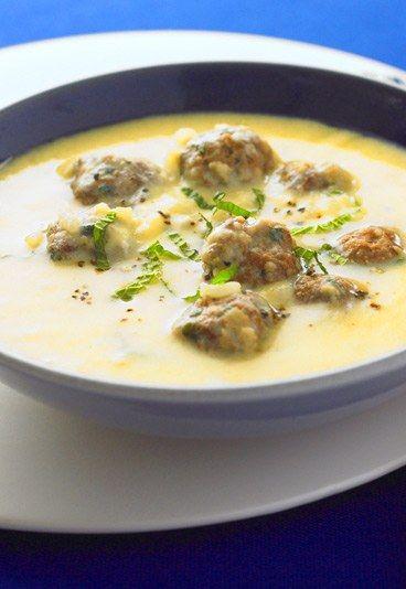 Putenhackbällchen-Suppe mit Kartoffeln und Möhren - Heiße Suppen-Rezepte für Herbst & Winter