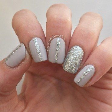 Uber simples glitter nails nail art by Lottie
