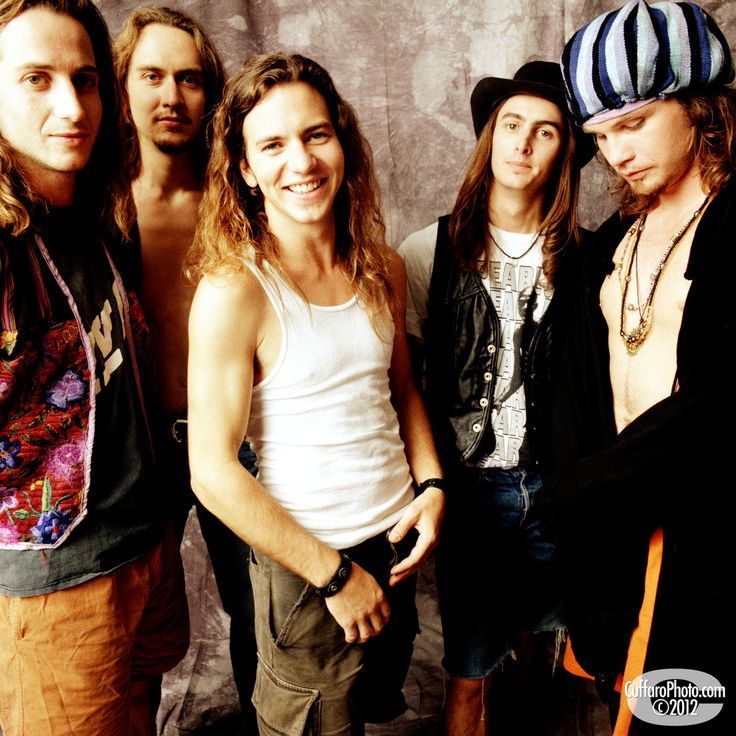 Pearl Jam. So young and cute!