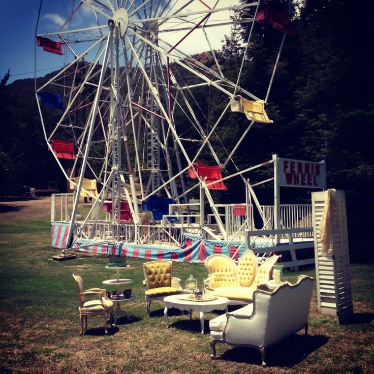 our vintage furniture at Aaron Paul and Lauren Parsekian's themed Wedding | Pretty Vintage Rentals