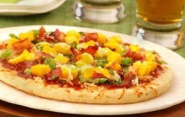 Mango and Bacon Barbecue Pizza    For the recipe please visit: http://mango.org/recipe/mango-and-bacon-barbecue-pizza