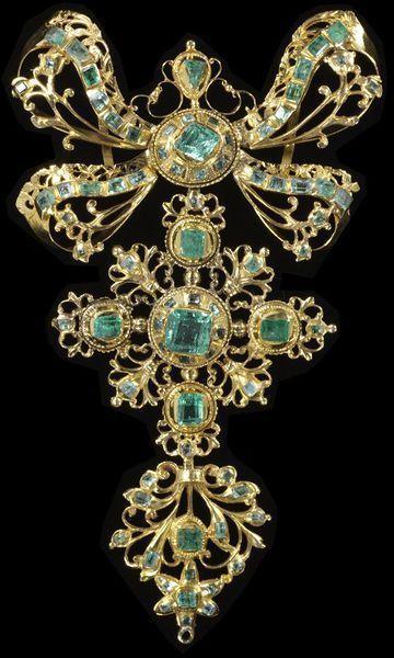 18th Century pendant