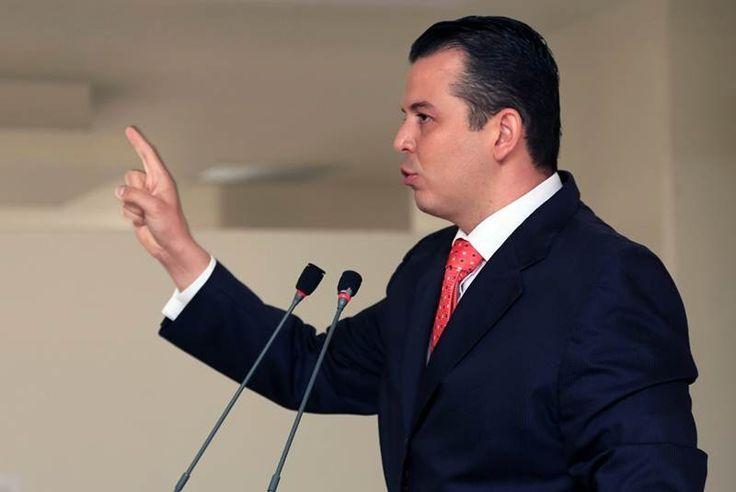 """Guillermo valencia, acusado de """"legalizar a criminales"""" y filtrar vídeos - http://notimundo.com.mx/mexico/guillermo-valencia-acusado-de-legalizar-criminales-y-filtrar-videos/11408"""