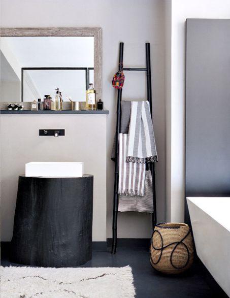 salle de bain bathroom Cultured Home --- Le style bohème ethnique de Barbara Boccara - via Glamour - Photo : Herve Goluza