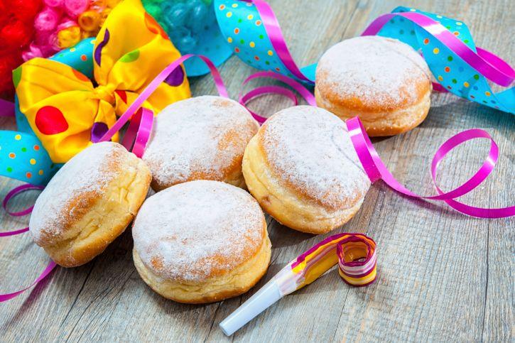 Ecco le migliori ricette di Carnevale da preparare con il Bimby: dalle chiacchiere alle castagnole, scopritele tutte!