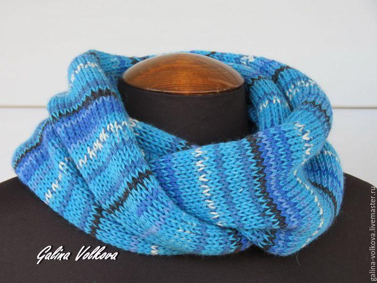 Купить Вязаный шарф хомут снуд мужской женский Перехды синего - синий, яркий, голубой