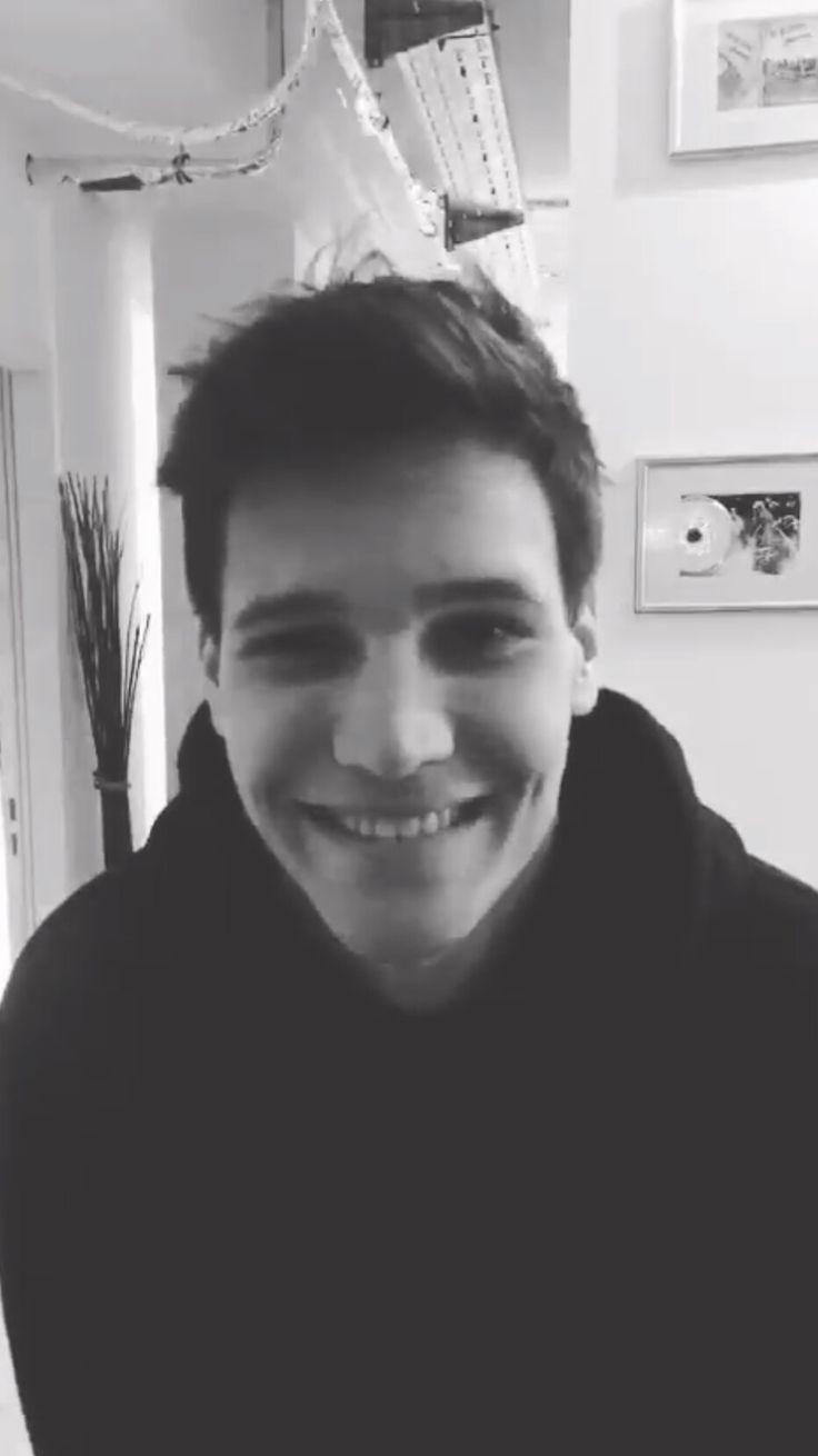 His smile *-*❤