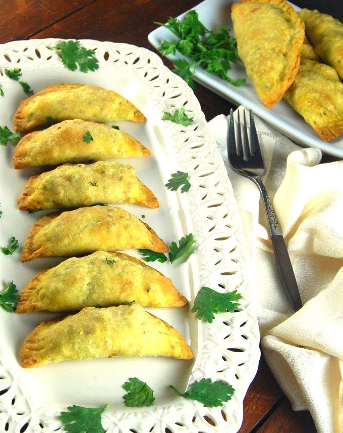 Baked Keema Samosas (Indian-Style Meat Pies) | http://holycowvegan.net/2015/06/keema-samosa.html