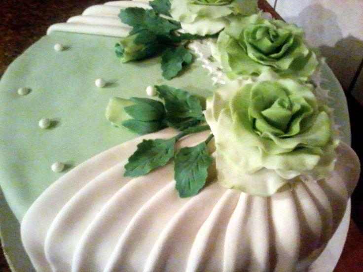 Зеленые розы #торт_на_заказ_никополь #день_рождения #бисквитный_торт #шоколадный_торт