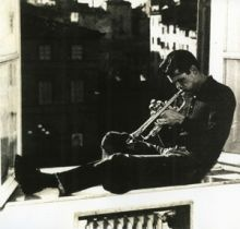 HET BAKER  The great american trumpet player. In this picture he is in room n. 15 at the Hotel Universo.