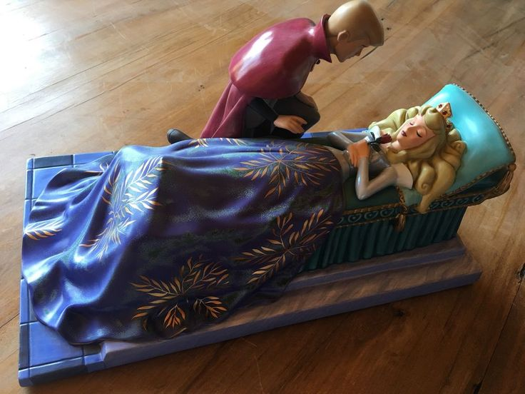 WDCC Walt Disney Sleeping Beauty Love's First Kiss 400/1959 Aurora Prince Philip #Disney