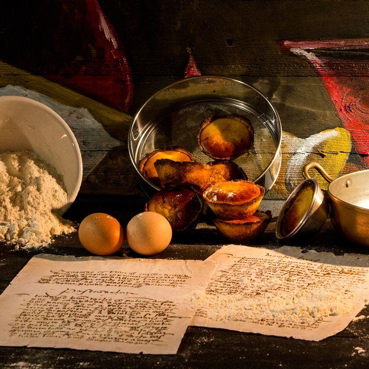 Pastéis de leite, um doce conventual com que começou a história dos pastéis de nata hoje muito famoso. http://expresso.sapo.pt/multimedia/infografia/2015-11-06-Chefe-Tiger-cozinha-avo-do-pastel-de-nata-para-um-milhao-de-portugueses