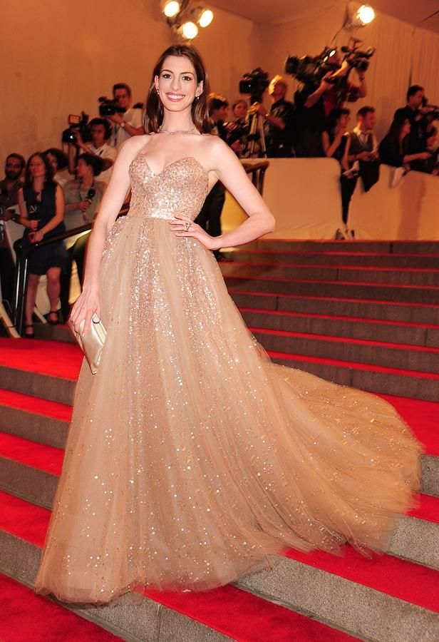 Anne Hathaway Wearing  A Valentino Gown Photograph  - Anne Hathaway Wearing  A Valentino Gown Fine Art Print