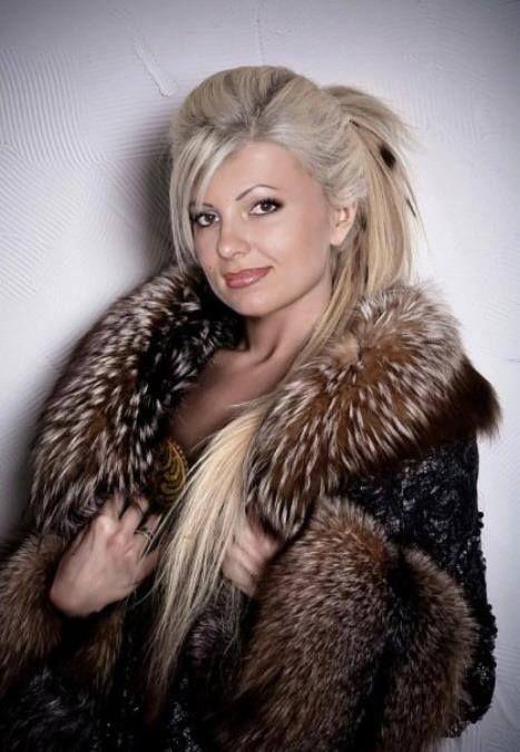 pingl par ric Langlais sur Blonde FUR  Fur Fur