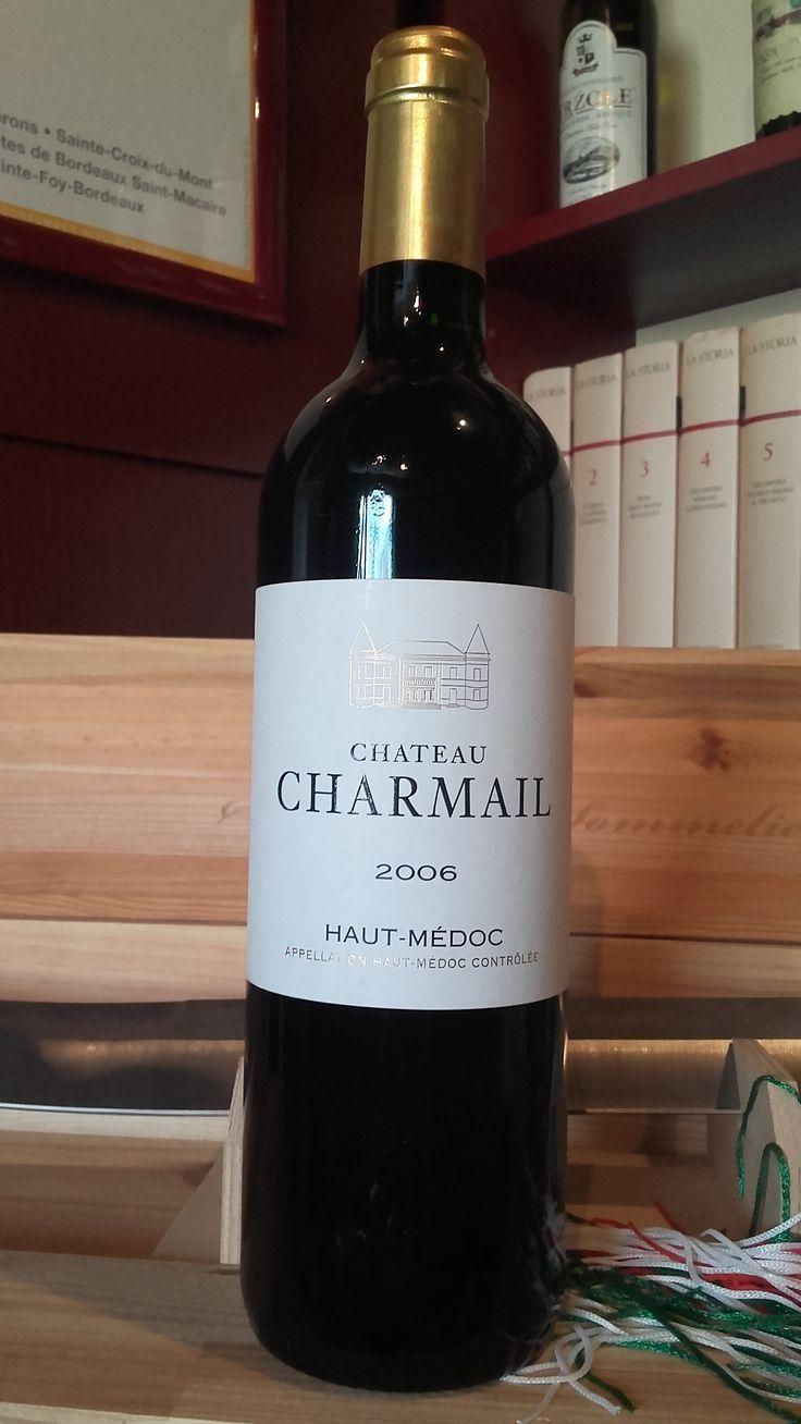 Chateau Charmail Grand Cru 2006 Crveno vino divne arome sa notama borovnice, začina i vanile. Bogate teksture i punog ukusa. Procenat alkohola: 13% Cena: 7.800 dinara Vino je direktno stiglo iz podruma proizvođača i poseduje kompletnu dokumentaciju o poreklu. Za sve ostale informacije u vezi vina pozovite 011/7113938 ili 063/238322 ili dođite u našu vinoteku.