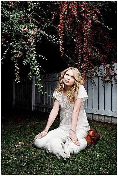 Taylor Swift - Entertainment Weekly Magazine 2008