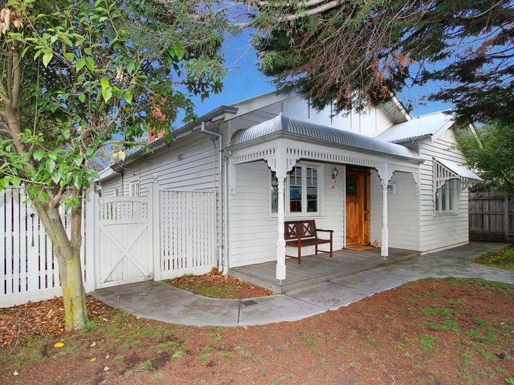 121 best images about exterior colour scheme on pinterest for Queenslander exterior colour schemes