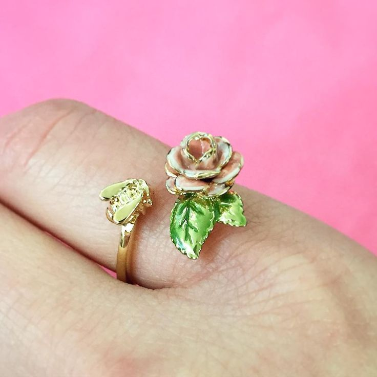 🌿🌸:: Bee & Vintage Rose Open Ring    20% Off :: 🌸🌿 To celebrate Valentines Day, we are offering 20% off our popular Vintage Rose & Scenes of Nature stories until 14th February, in-store & online! ❤️✨ . . . #BillSkinner #vintage #vintagerose #scenesofnature #swarovski #lace #embroidery #craft #stilllifephotography #fashionphotography #enamel #happyvalentinesday #spreadlove