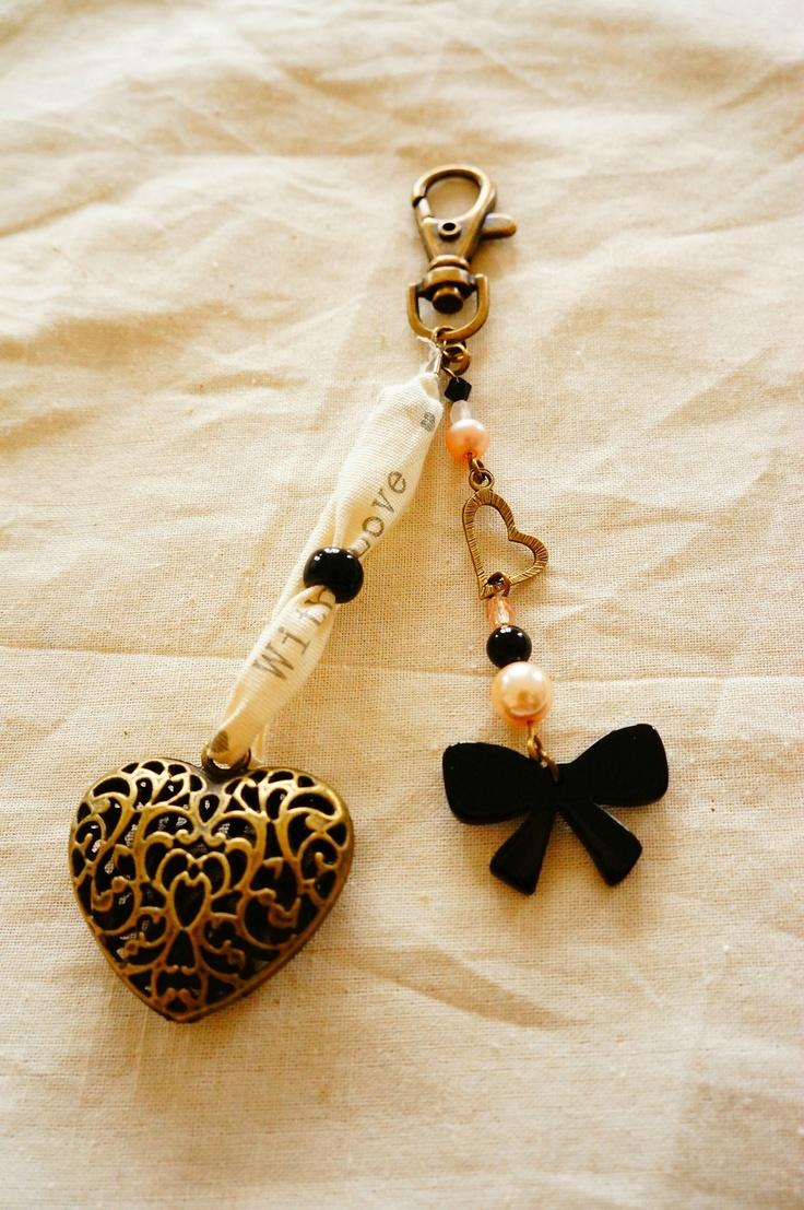 bijou de sac coeur et noeud (2)