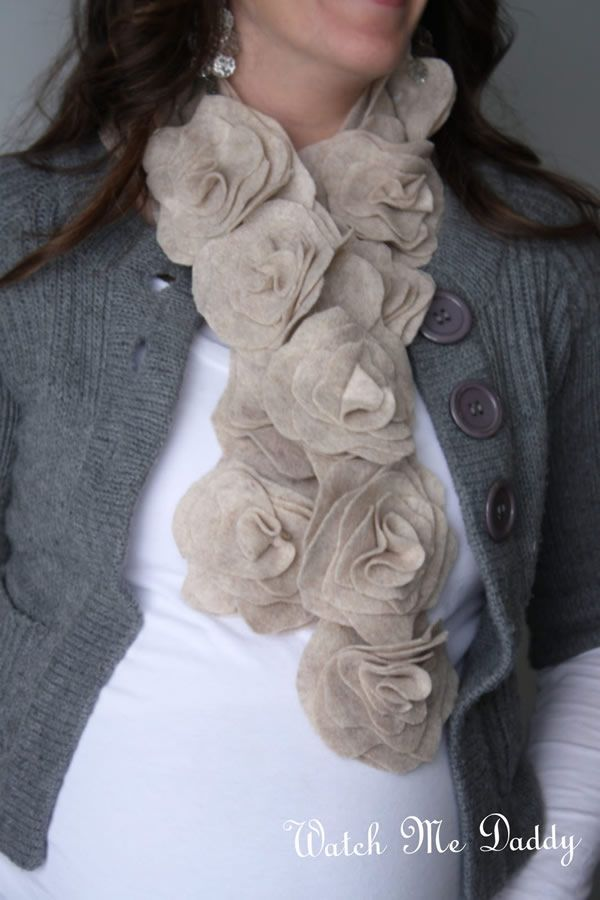 Rose felt scarf!  Would love to make this! http://watchmedaddy.blogspot.com/2011/12/felt-flower-scarf-tutorial.html