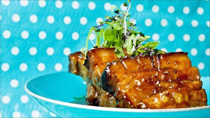Asiatiskinspirert ribbe med plommesaus - Godt.no - Finn noe godt å spise