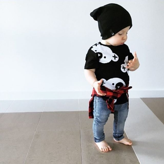 Handsome little guy in our Big Falling Bears Drop Back T-shirt by Huxbaby, Bandit Beanie, & Denim Jegs by Beau Hudson via @brogankate  Shop link in bio! #LadyKiller