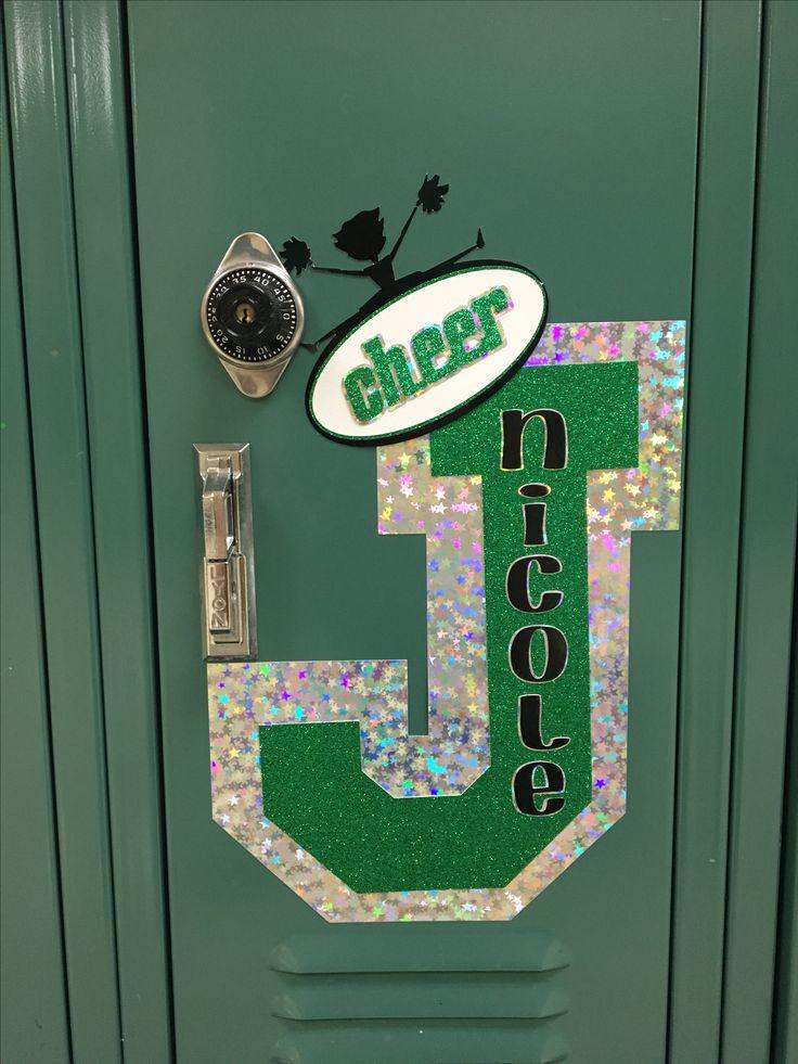 Best 25 cheer locker decorations ideas on pinterest for Cheerleading decorations
