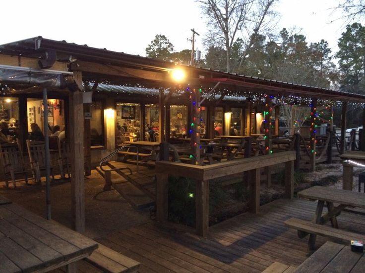 These are some of the BEST seafood restaurants in Alabama! Which ones have you eaten at?