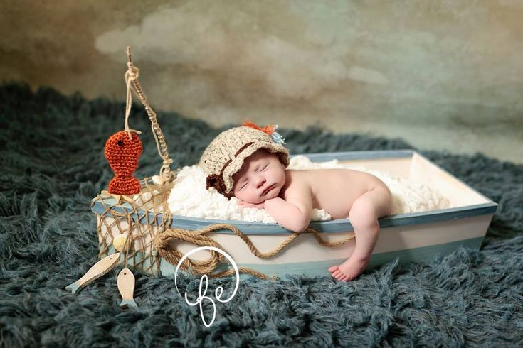 Newborn photography >> Fisherman