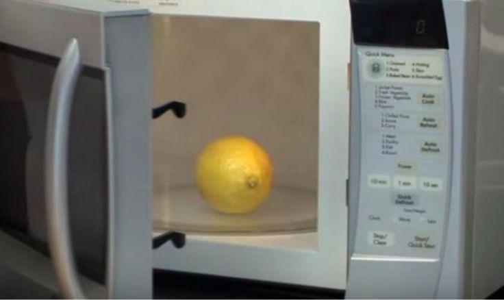 Voici comment nettoyer un micro-ondes en 3 minutes - Astuces de grand mère