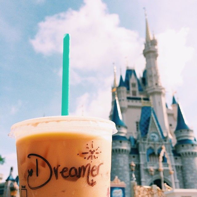 Disney and starbucks///// O pinterest mais goals ever @inspiretumblr