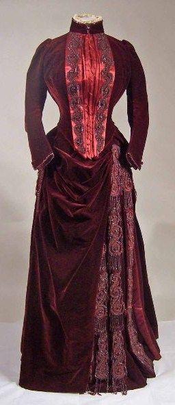 Victorian Velvet Dress  --  Manchester Art Galleries  --  Manchester, England