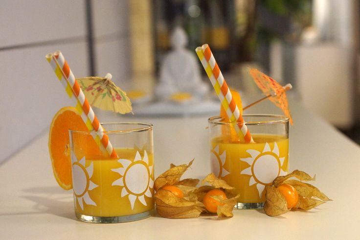 Ompa komeat drinkit ja wau kuinka kesäiset lasit! ;) #partylite #jars #kesäjuoma #cocktail #drinkkilasi #purkista