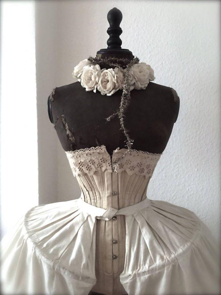 17 best images about dress forms on pinterest in the corner cabbage roses and vintage mannequin. Black Bedroom Furniture Sets. Home Design Ideas