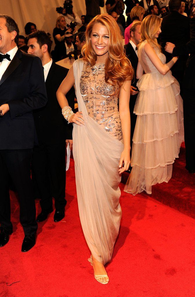 Blake Lively Style | Wowing in Chanel Couture at the Met Gala, May 2011. Read more at https://www.popsugar.com.au/fashion/photo-gallery/17934382/image/17934340/Blake-Lively-Style#ur42kRepDtUB3zBj.99