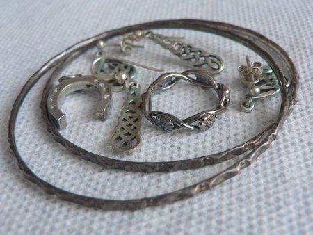 Cómo limpiar las joyas de plata - Guía de MANUALIDADES