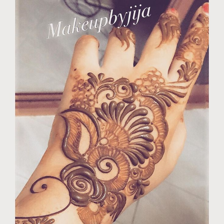 """upclose #henna #hena #mehendi #mhendi #dubai #mydubai #dubai #artist #tattoo…"