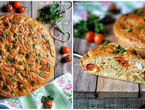 Slaný koláč s fetou a rajčaty
