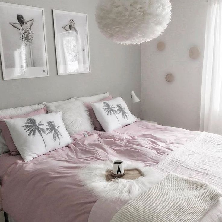 Here in Scandinavia, the weather is just right for staying in bed! A room like this beautiful one from @mykindoflike would be hard to leave.